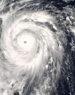 Typhoon Jangmi off Taiwan and the Philippines